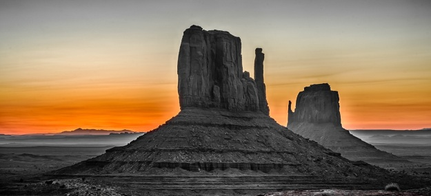 170414-monument-valley-sunrise-2310_HDR_1.jpg